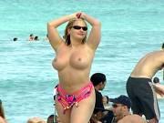 Nude Beach Exhibitionist Babe